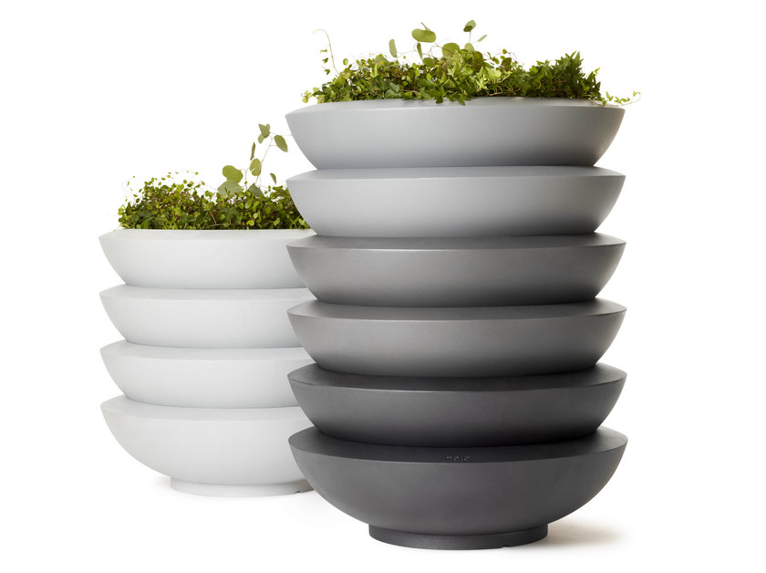Flower pot SAKE by Nola Industrier