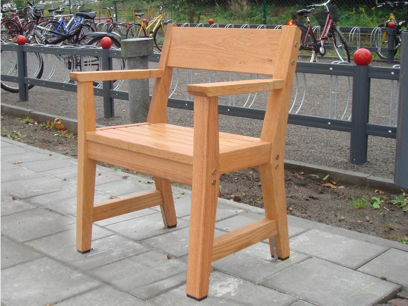 Wooden outdoor chair VEJBY | Outdoor chair by Nola Industrier