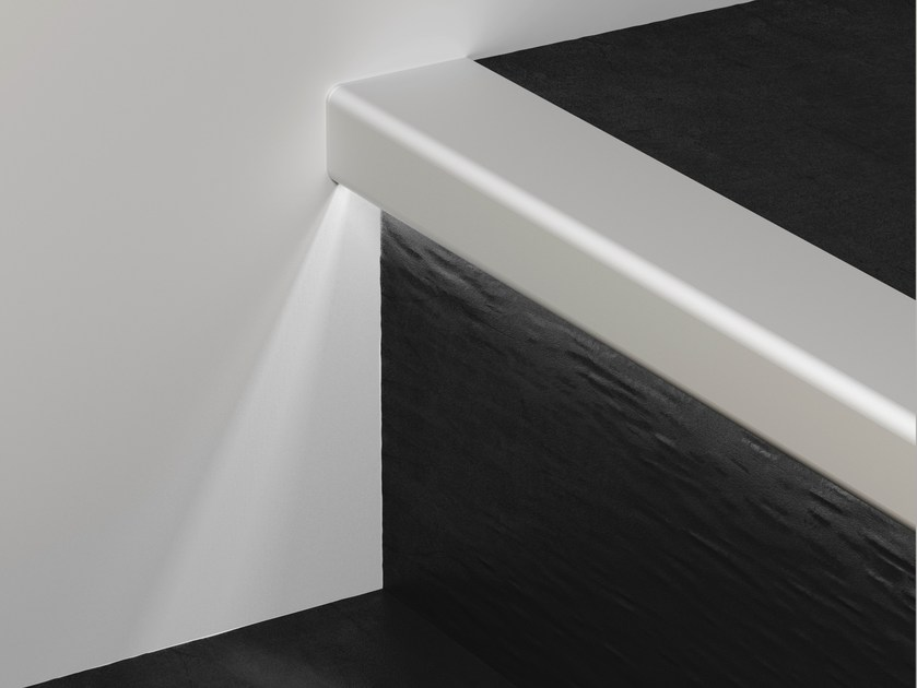 Profilo paragradino in alluminio con led prolight prostep g 8 led