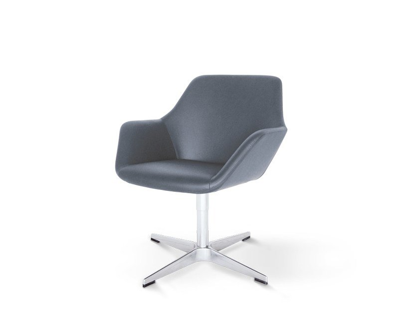 Training chair with 4-spoke base with armrests with 4-spoke base PULSE | Training chair by Wiesner-Hager