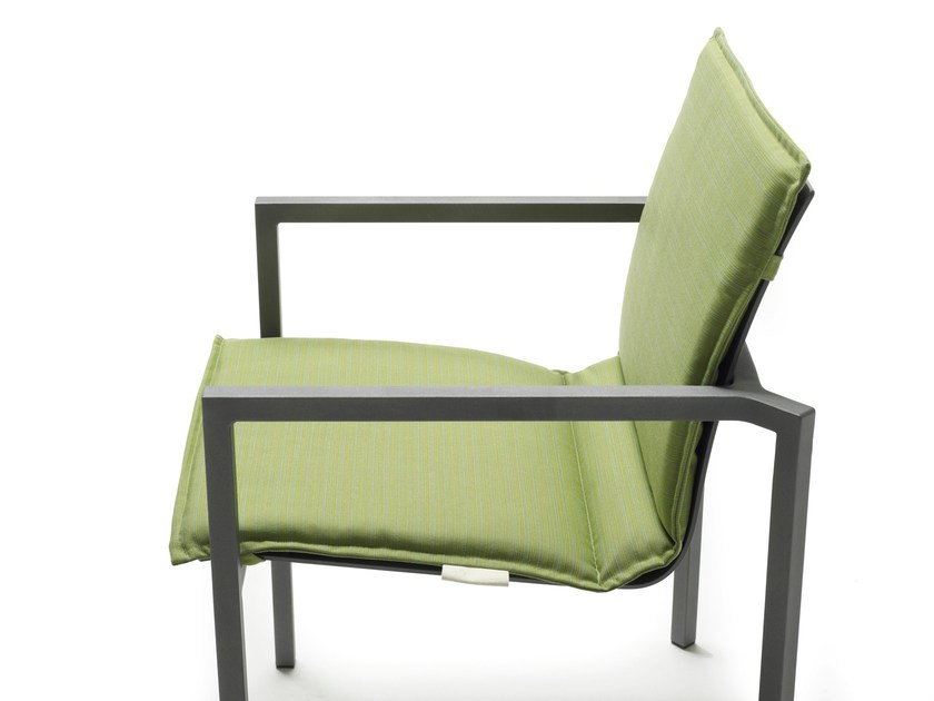 Sedia impilabile in alluminio con braccioli PURE ALU | Sedia impilabile by solpuri