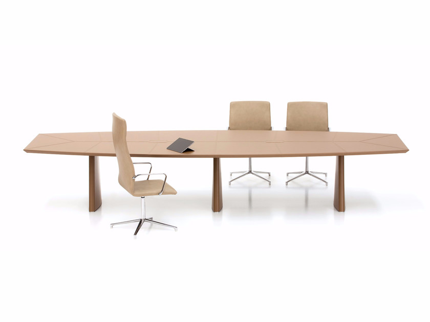 Tanned leather meeting table PYRAMID | Meeting table by Polflex
