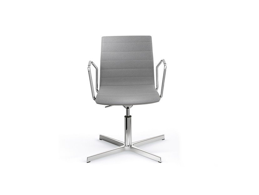 Fabric chair with 4-spoke base with armrests Q-2 | Chair with 4-spoke base by Sesta