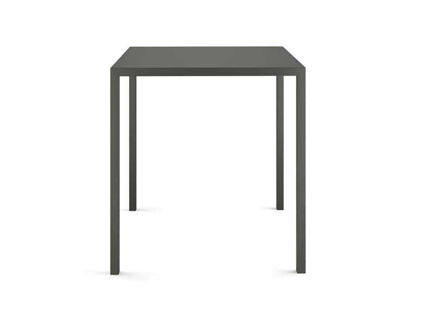 Tavolo impilabile quadrato in acciaio verniciato a polvere QU 700 by COLOS