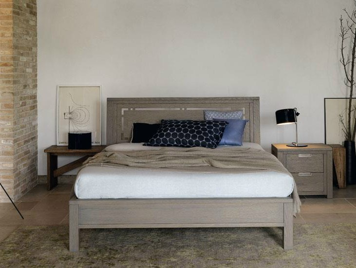 Solid wood double bed QUADRA | Bed by Devina Nais