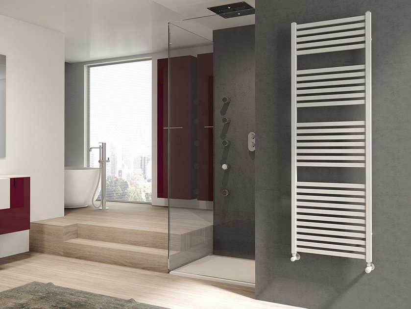 Wall-mounted hot-water vertical steel towel warmer QUADRÉ by IRSAP