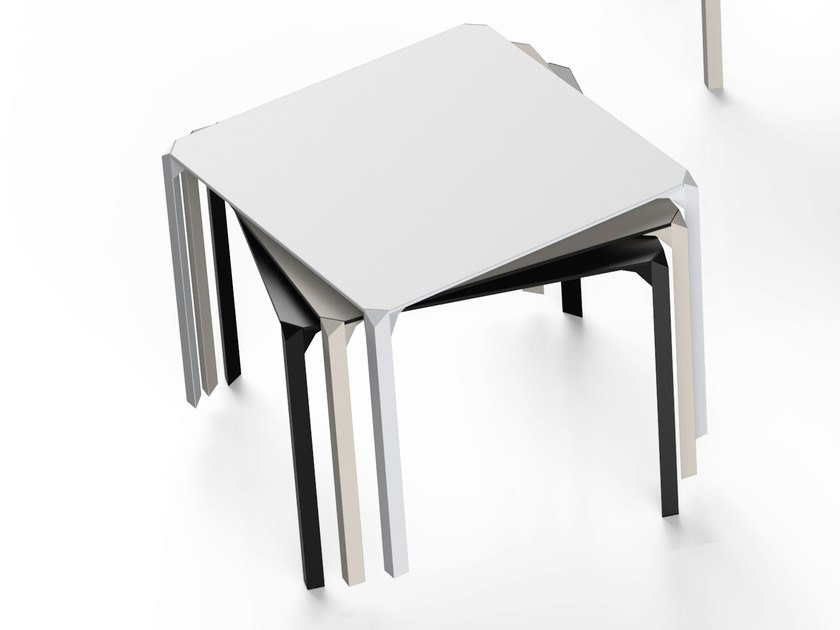Square polyamide garden table QUARTZ | Square table by VONDOM
