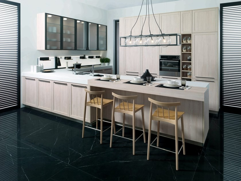 Fitted kitchen with peninsula R1.40 by GAMADECOR