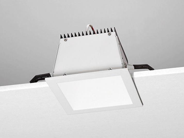 Faretto a LED quadrato da incasso R6 by NOBILE ITALIA