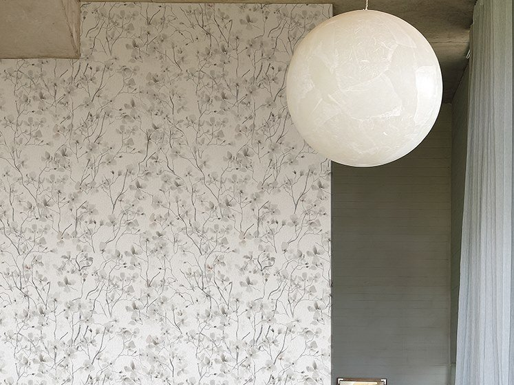 Nonwoven wallpaper with floral pattern RAMAGE TS by Wall&decò