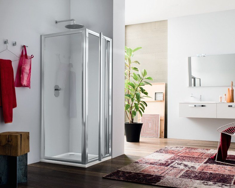 Corner glass shower cabin with hinged door RAPID - 4 by INDA®