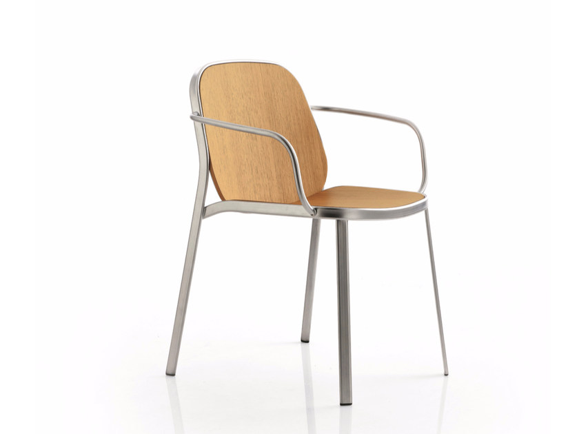 Wooden reception chair with armrests FLAP | Reception chair by Emmegi