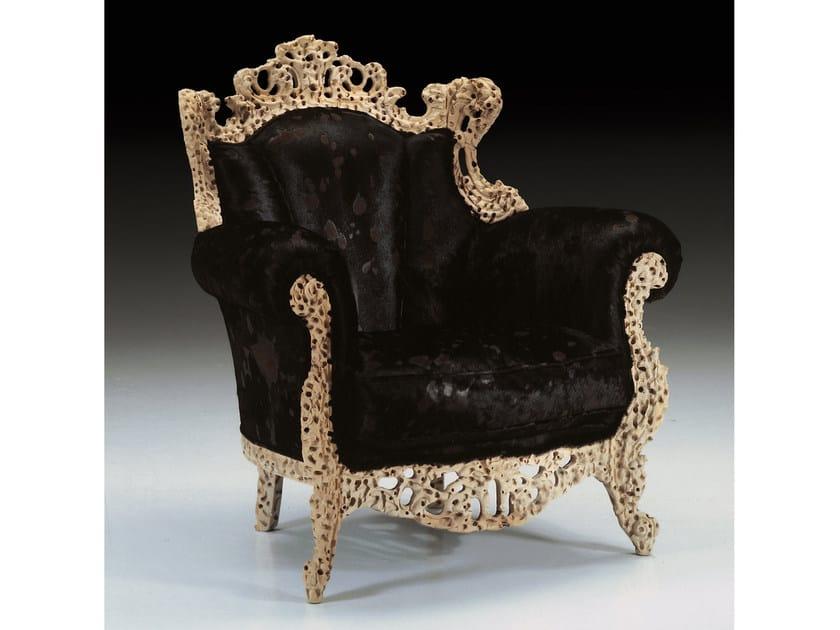 Upholstered velvet armchair with armrests REGINA | Armchair by Mirabili