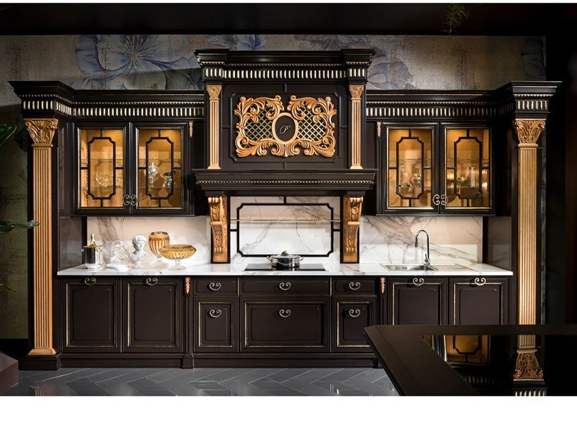 Classic style kitchen REGINA by Prestige