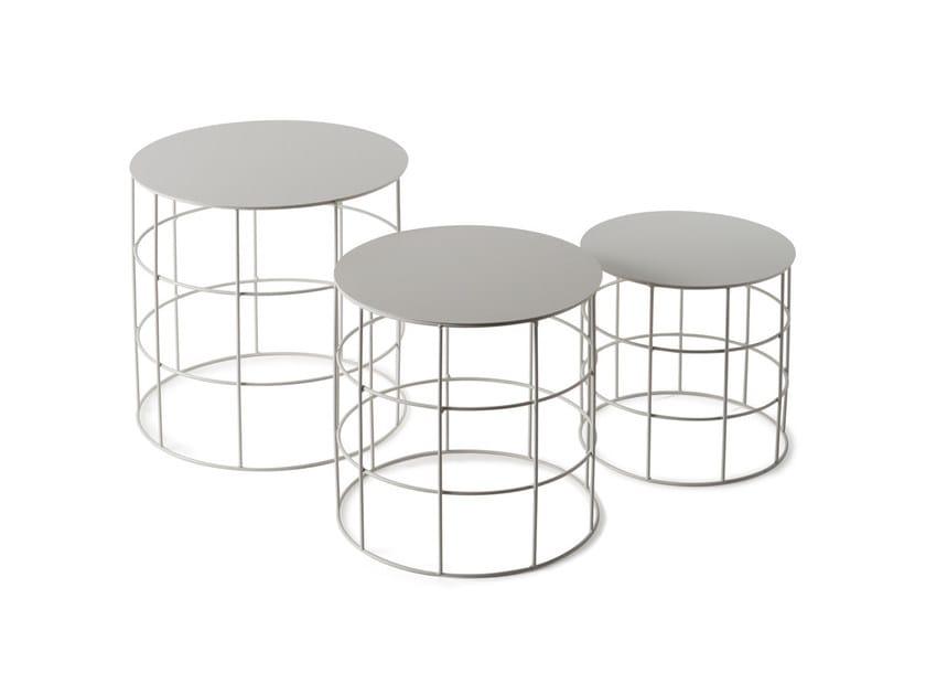 Low round coffee table RETON | Round coffee table by Atipico