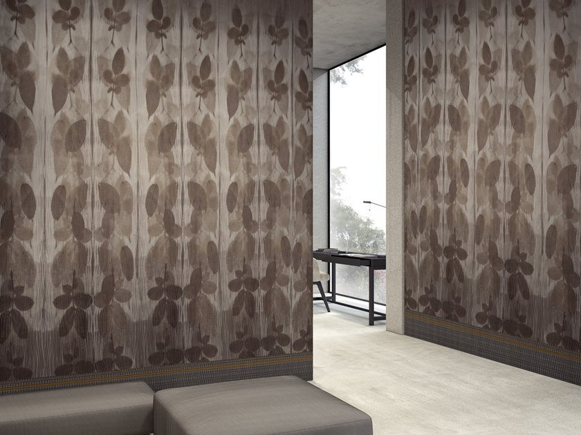 Wallpaper with floral pattern RIFLESSO by GLAMORA