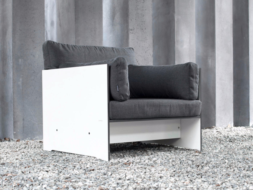 Upholstered armchair with armrests RIVA | Armchair by conmoto
