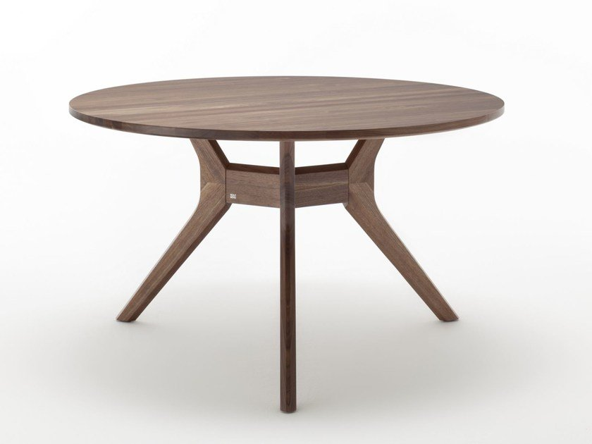 Round Wooden Dining Table ROLF BENZ 965 | Round Table By Rolf Benz