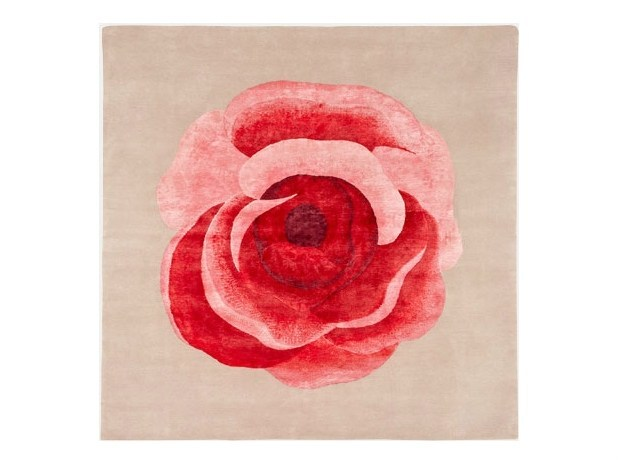 Square rug with floral pattern ROMANCE by Deirdre Dyson