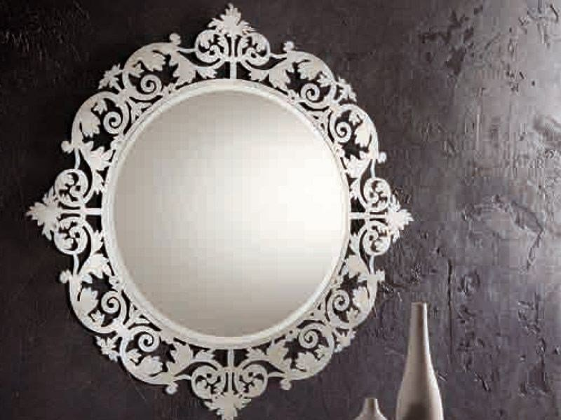 Wall-mounted framed mirror ROMANTICO | Round mirror by RIFLESSI