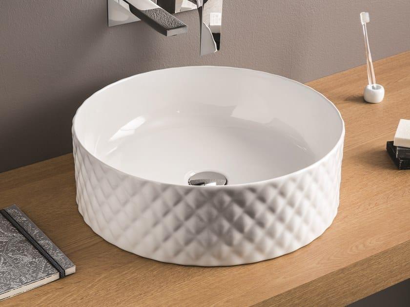 Countertop round ceramic washbasin ROMBO by Artceram