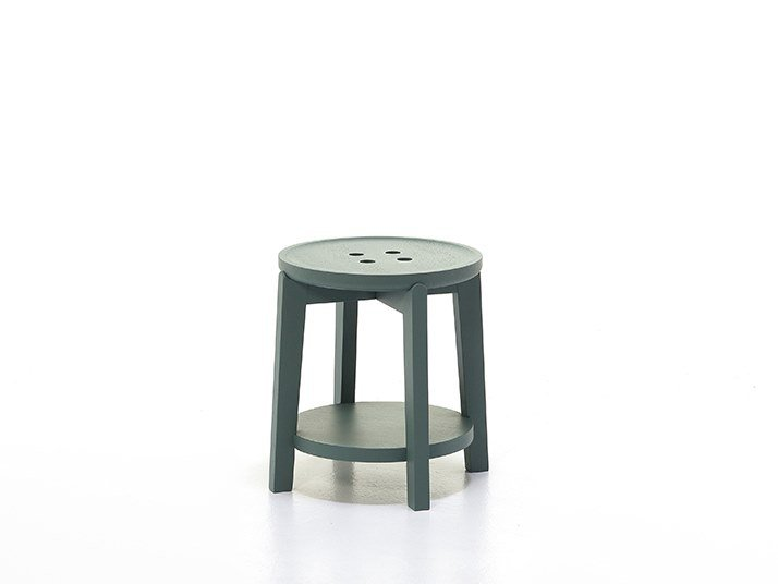 Round side table with integrated magazine rack ROND T01 by Very Wood