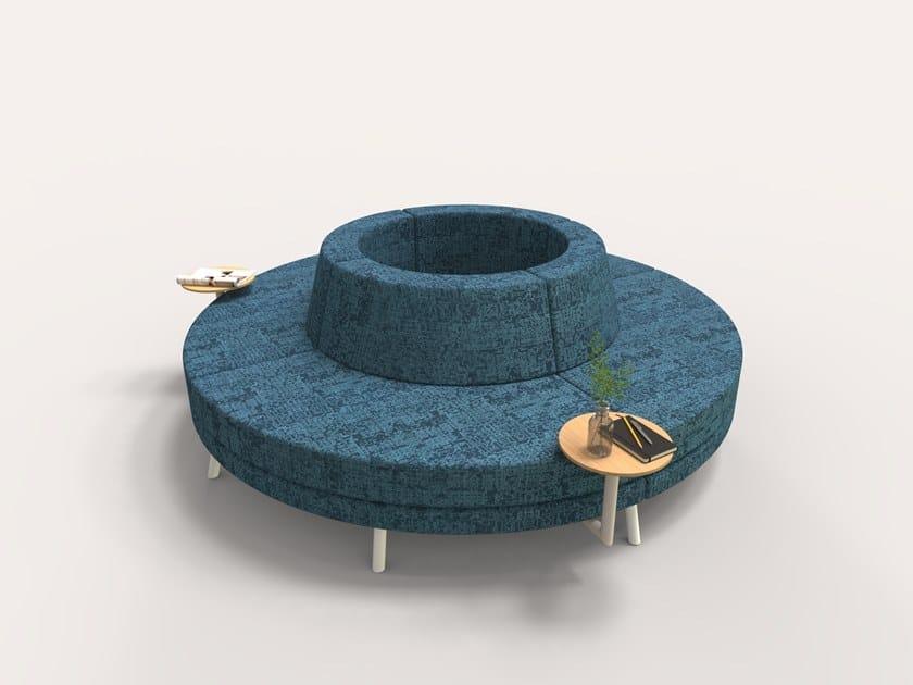 Divano curvo in tessuto ROUND SOFA by Addon Furniture
