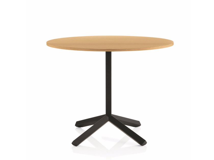 Round table with 4-star base FLAMINGO | Round table by Emmegi