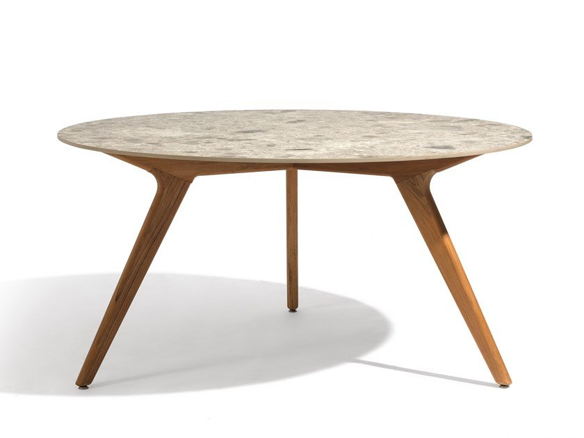 Round ceramic garden table TORSA | Dining table by MANUTTI