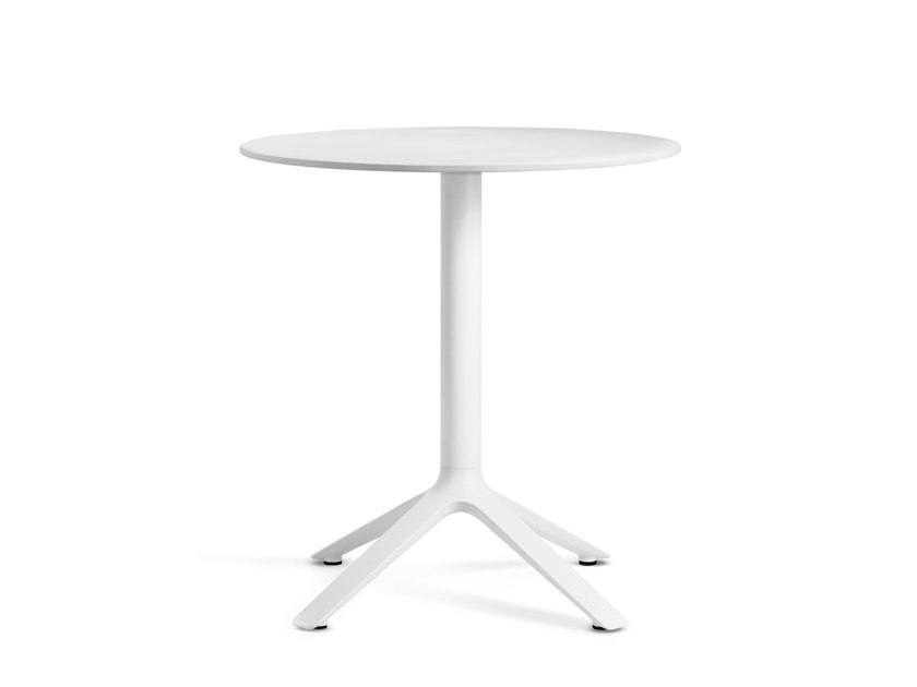 Round dining table EEX   Round table by TOOU