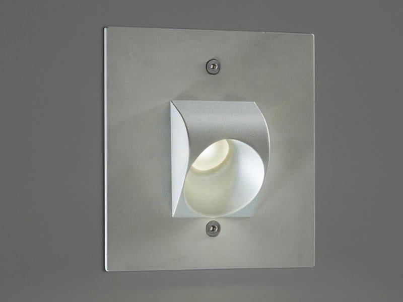 Segnapasso a LED a parete in metallo RYU by PURALUCE