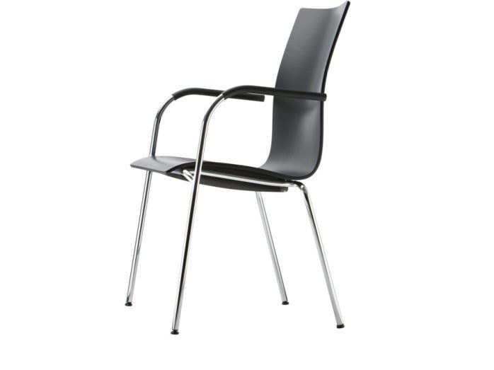 Stackable plywood chair with armrests S 168 F by THONET