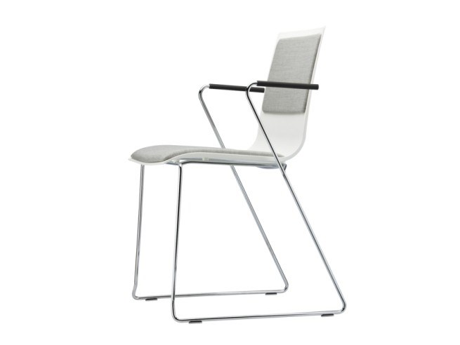 Sled base chair with armrests S 180 PFST by THONET