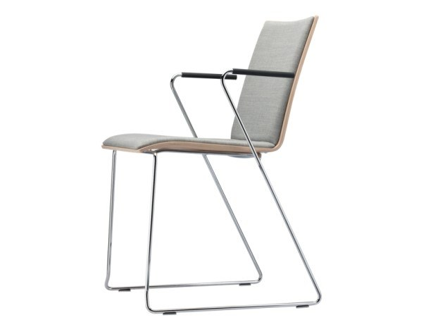 Sled base upholstered chair with armrests S 180 PFST by Thonet