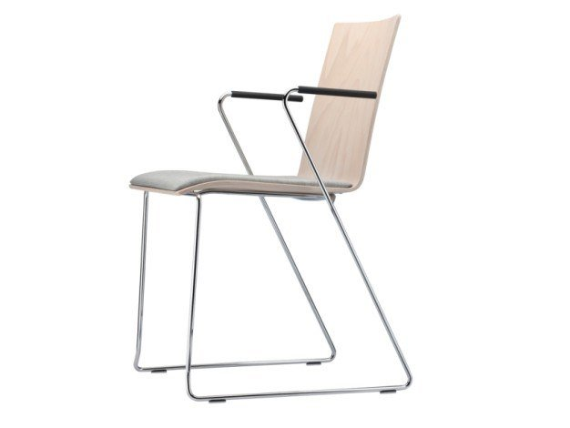 Sled base plywood chair with armrests S 182 SPFST by Thonet