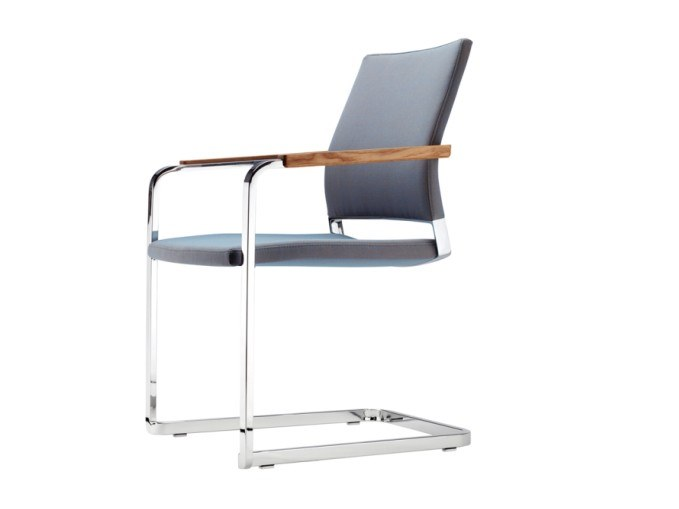 Cantilever chair with armrests S 95 PFST by THONET