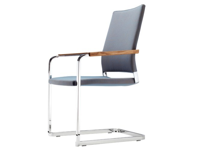 Cantilever chair with armrests S 96 PFST by THONET