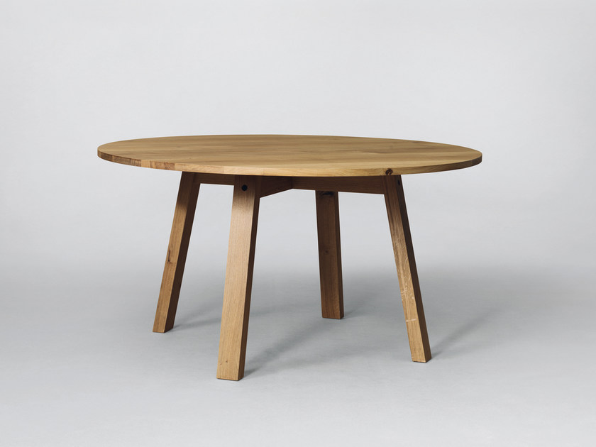 Round wooden table SC50 | Wooden table by Janua