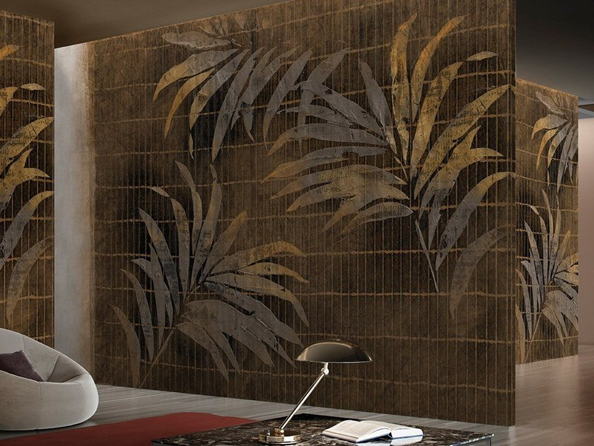 Wallpaper with floral pattern SCINTILLA by GLAMORA