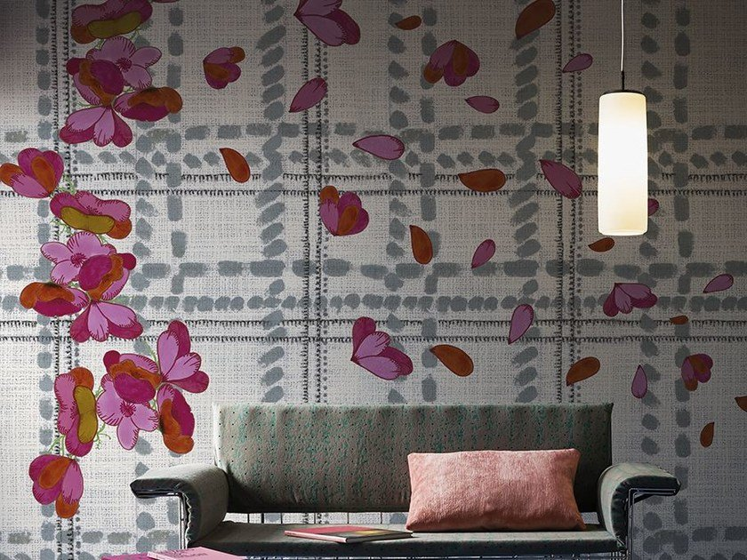 Wallpaper with floral pattern SCOTTISH BLUMEN by Wall&decò