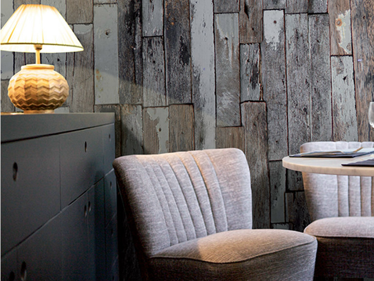 Wood effect non-woven paper wallpaper SCRAPWOOD by LGD01