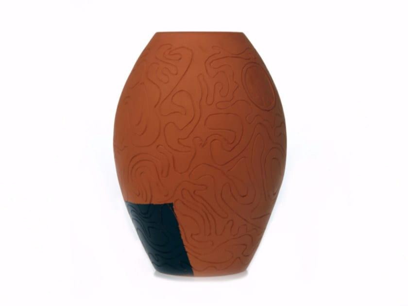 Terracotta vase SECRET III by Kiasmo