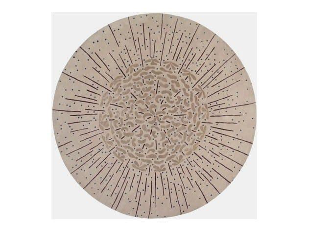 Handmade round rug SEEDHEAD by Deirdre Dyson