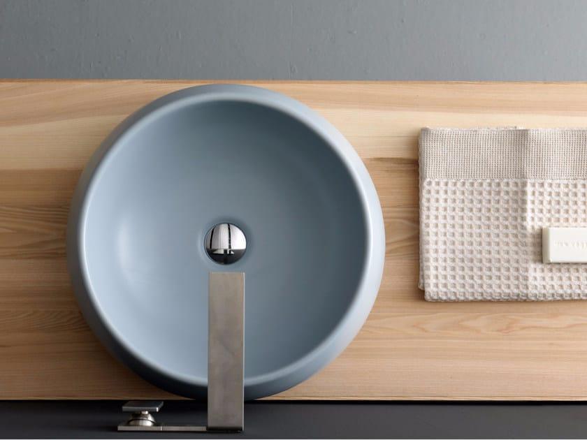 Countertop round ceramic washbasin SELFIE EARTH | Washbasin by Alice Ceramica