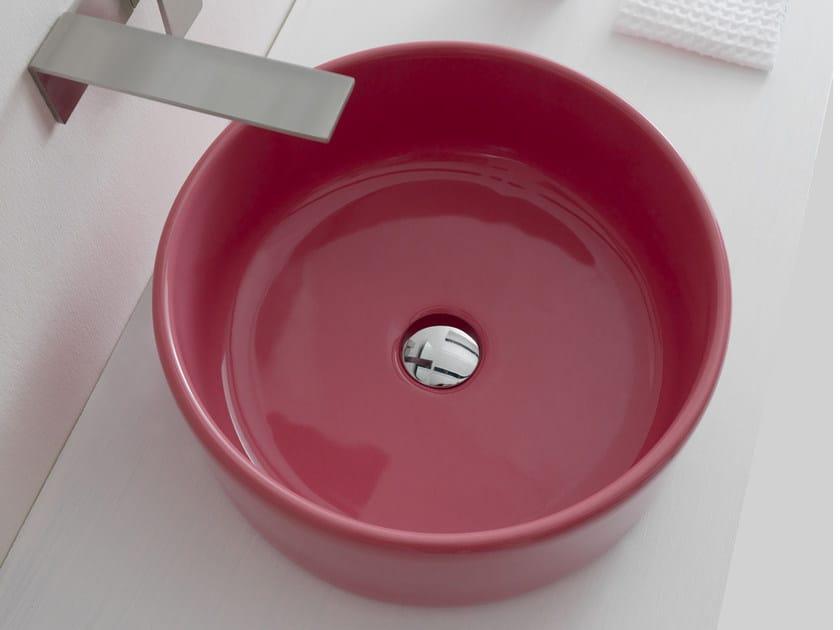 Lavabo da appoggio rotondo in ceramica SELFIE YOUNG | Lavabo rotondo by Alice Ceramica