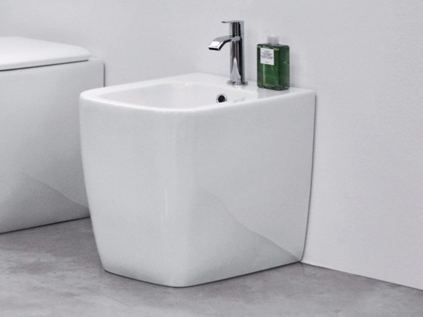 Floor mounted ceramic bidet SEMPLICE | Floor mounted bidet by Nic Design