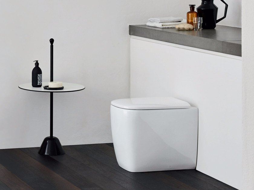 Floor mounted ceramic toilet SEMPLICE | Floor mounted toilet by Nic Design