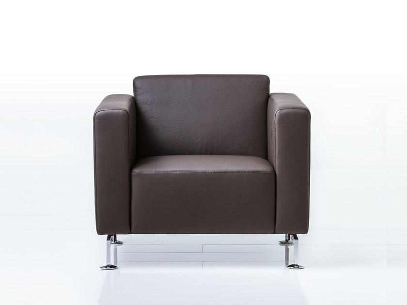 Leather armchair with armrests SERGE   Leather armchair by brühl