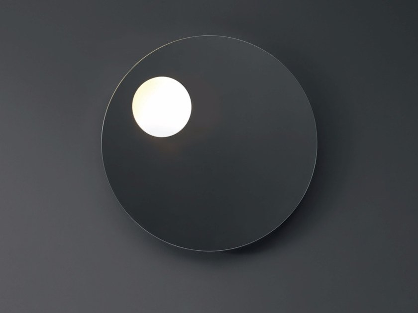 Round wall-mounted mirror with integrated lighting SHADOW | Round mirror by Nic Design