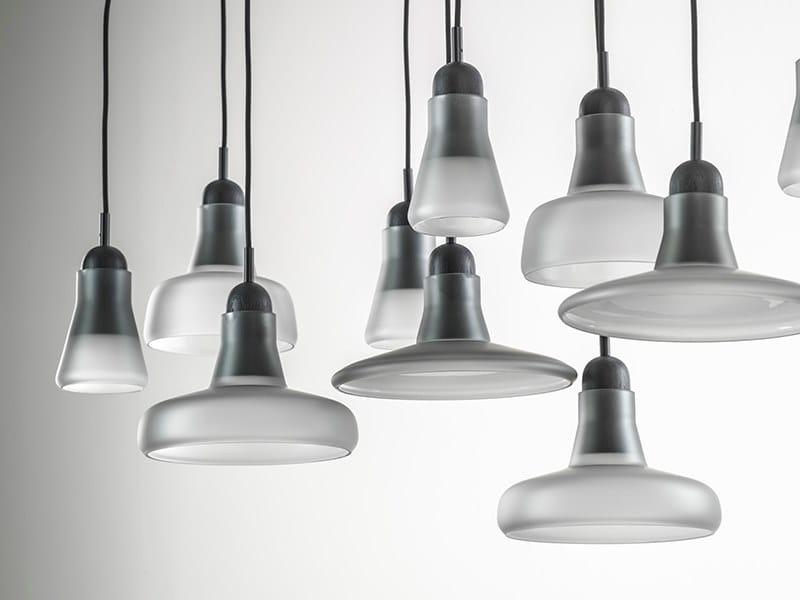 Lampada a sospensione in vetro soffiato con dimmer SHADOWS | Lampada a sospensione in vetro by BROKIS